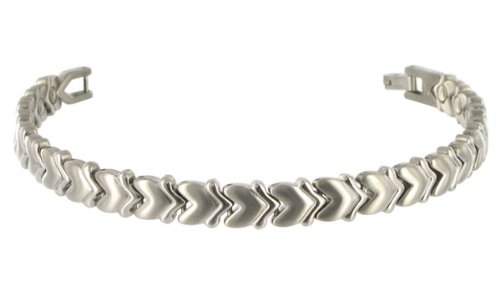 Heart 8 MM Wide Polish Finish Titanium Magnetic Link Bracelet 7.5