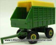 2.75 Inch John Deere Forage Wagon - ERTL Collect N Play