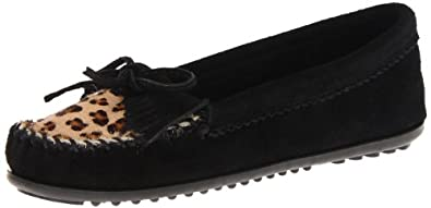 Minnetonka Women's Leopard Kilty Mocassin,Black,5 M US