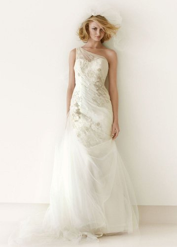 One Shoulder Metallic Detail Fit-and-Flare Wedding Dress Ivory