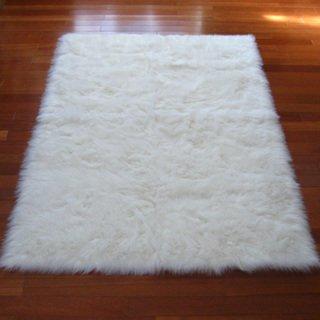Snowy White Polar Bear Pelt Faux Fur Rectangle Rug (2'3 x 3'7) (Faux Bear Skin compare prices)