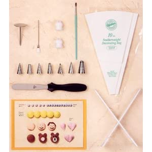 Cake Decorating Kit With Book : Wilton Cake Decorating Student Kit - Course I: Amazon.ca ...