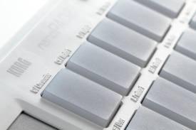 Korg Nanopad2 Usb Powered Slim-Line White Midi Keyboard Kontroller