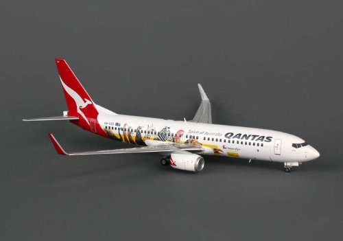 qantas-737-800-with-winglets-optus-frequent-flyer-vh-vzd-1200-jc2qfa504