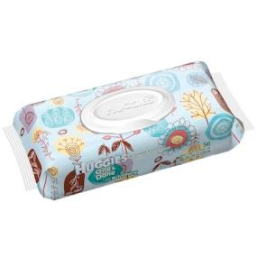 Take HUGGIES ONE & DONE Refreshing Baby Wipes everywhere with a handy travel pack.