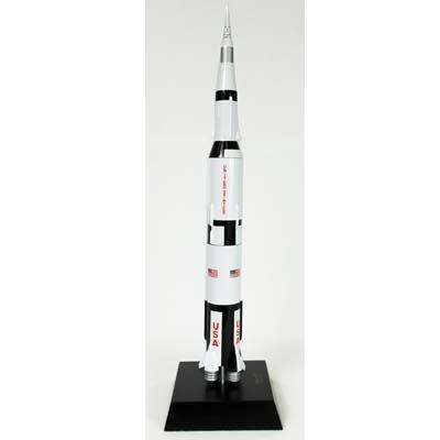 Saturn V with Apollo - 1/200 scale model