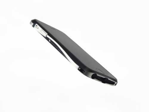 【iPhone5用アルミバンパーの最高峰】Deff CLEAVE ALUMINIUM BUMPER for iPhone5 DCB-IP50A6BKL メテオブラック