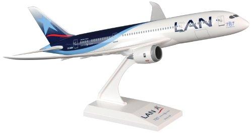Daron Skymarks LAN 787-8 Airplane Model Building Kit, 1/200-Scale