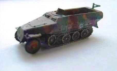 ドイツ軍 Sd.Kfz251ハーフトラック  D型 三色迷彩(イエローベース)
