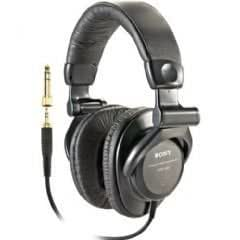 sony studio monitor mdr v600 stereo headphone discontinued by manufacturer sony. Black Bedroom Furniture Sets. Home Design Ideas