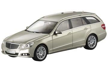 e-klasse-t-modell-elegance-perlbeige-minichamps-118