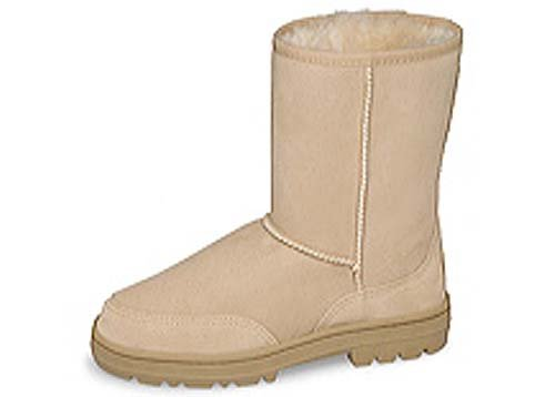 The boot that started it all - UGG Classic Short boot is the original surf boot from Australia designed for warmth and comfort in a way that took the world by storm. Made from genuine twinface sheepskin, the UGG Classic Short boot puts the fuzzy side in, allowing .