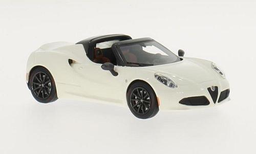 Alfa-Romeo-4C-Spider-Concept-weiss-2015-Modellauto-Fertigmodell-TrueScale-Miniatures-143