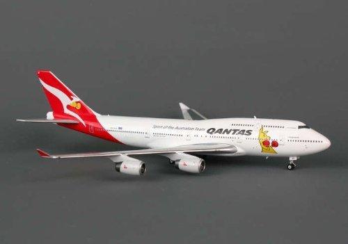 phoenix-qantas-747-400-1-400-spirit-of-australian-team-vhoju-by-phoenix-diecast
