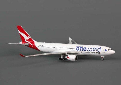 Phoenix Qantas A330-200 1/400 One World REG#VH-EBV
