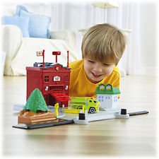 Fisher Price Rollers Roll & Go Fire Station (Fisher Price Roll And Go compare prices)