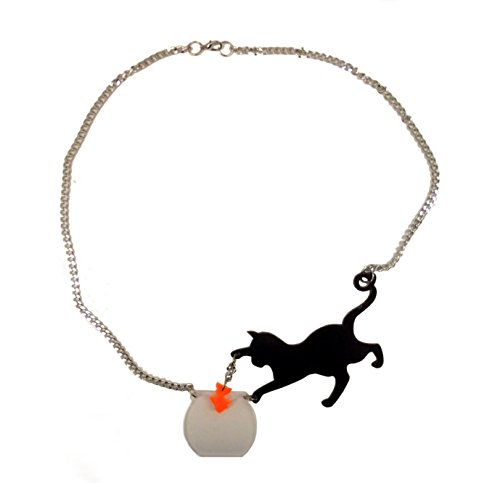 statement-necklace-with-cat-and-goldfish-eye-catching-da-moves