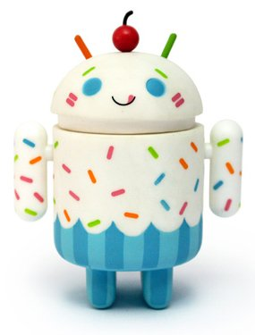 Buy Low Price DYZ Plastics Android Mini Collectible Series 02 Vanilla Cupcake 1/16 Ratio Vinyl Toy Robot Figure (B004SP3YAQ)