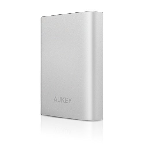 AUKEY Quick Charge 2.0 Batería Externa 10400mAh para iPhone 6s/ 6s Plus, Samsung Galaxy S7/ S6, HTC, Motorola, Huawei, Xiaomi, etc (Blanco)