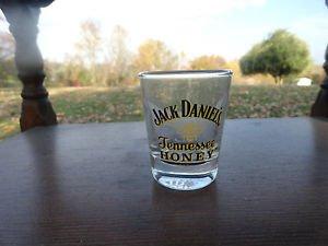 Jack Daniel's Honey Bee Shot Glass 1.5 Oz (1)