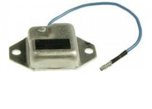 This is a Brand New Aftermarket Voltage Regulator Fits Yamaha ATV Models: YFS 200cc Blaster,YFZ 350cc Banshee (Yamaha Banshee Voltage Regulator compare prices)