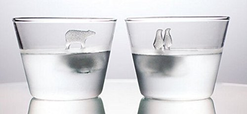 mil-ice-cube-trays-with-special-creative-cool-design-of-polar-bear-and-penguins-standing-on-the-ice