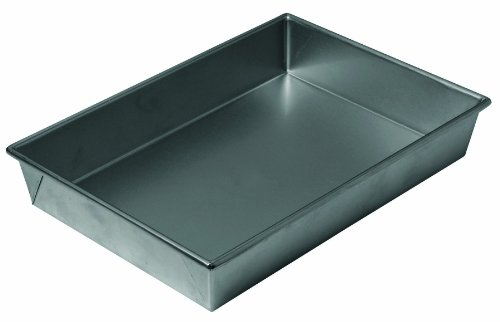 Chicago Metallic 16945 13 by 9 by 2-1/4-Inch Non-Stick Bake 'N Roast Pan