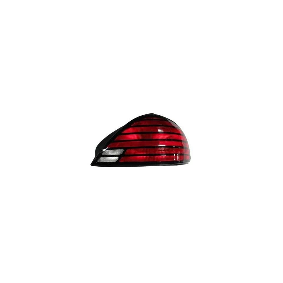Pontiac Grand AM (SE) Replacement Tail Light Assembly   Passenger Side Automotive