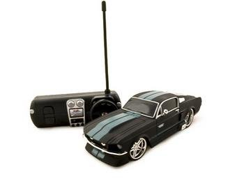 Maisto 1/24 1967 Ford Mustang GT Radio Controlled RC Car BLACK