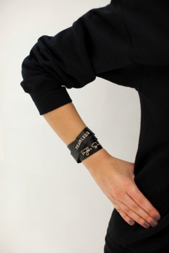 Taylor Swift - Fearless Black Leather Bracelet