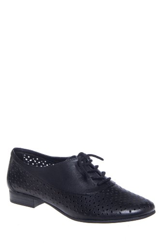 White Mountain Etching Perforated Oxford Shoe