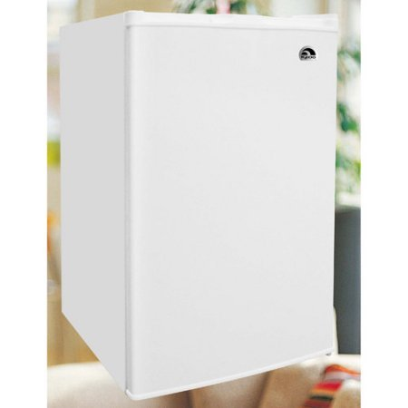 Igloo 3.0 cu ft Upright Freezer, White, All-white door and cabinet Manual defrost Wire shelves (Electric Portable Freezer compare prices)