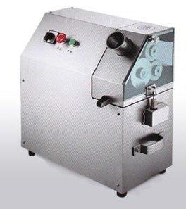 Cagredo LLC QJH-100A Sugar Cane Juice Extractor (Cane Juicer compare prices)