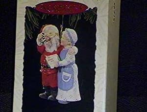 QX5283 A Handwarming Present Mr. and Mrs. Claus 9th Hallmark Keepsake Ornament