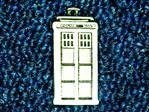 Dr Who Tardis Police Box Pin Badge - Hand Made in solid Pewter - exclusive to 1000 Flags