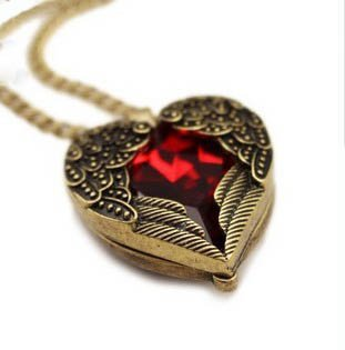 Vintage jewelry red gemstone heart love pendant