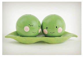 TWO PEAS IN A POD Salt & Pepper Set Ceramic Cute Fun (Peas In Pod Salt compare prices)