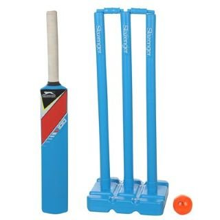 Slazenger V100 Plastic Cricket Set - 3