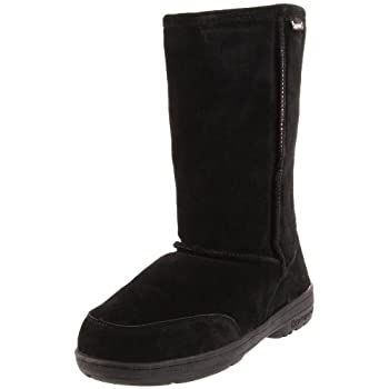 This medium-height women's boot by BEARPAW® offers a style that's well paired with denim, a casual skirt, or country dress, with a ruggedly comfortable design ideal for kicking around town. The upper is made of soft suede for a natural look, and the ...