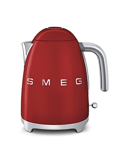 Smeg KLF01RDEU Wasserkocker 1,7L Rot - MERKMALE e AUSSTATTUNG: Fassungsvermögen 1,7 L (6 Kaffeebecher).Soft - Opening Kannenverschluss.alloggiamento aus Edelstahl, lackiert.Wasserfilter aus Edelstahl, herausnehmbar.Autom. Sicherheitsabschaltung bei 100°C.Kabellose 360° Bedienung. Integriertes