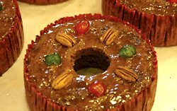 Assumption Abbey Fruit Cake in Traditional Tin, 2 lbs (Fruit Cakes With Rum Or Brandy compare prices)