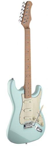 stagg-e-gitarre-mit-massivem-erlenkorpus-strat-kopie-in-toller-retro-optik-farbe-sonic-blue