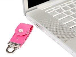 Dazzle USB flash memory stick pink leather with pearls key ring - 4GB by Dazzle Multimedia