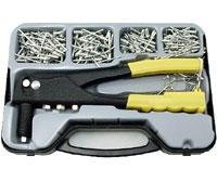 Hand Riveter Set with 300 Pc. Rivets
