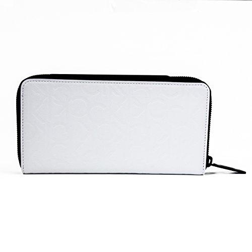 カルバン・クラインの財布はデザイン&コスパ重視のメンズから人気が高い◎item