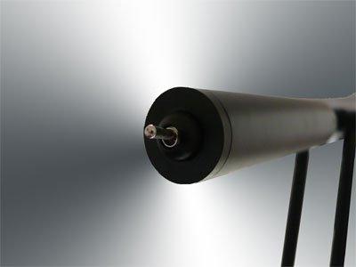 INNOVATIVER STROMSPARER CLIP DAYLIGHT TISCHLAMPE LICLI aus Metall in der Trendfarbe schwarz 10016
