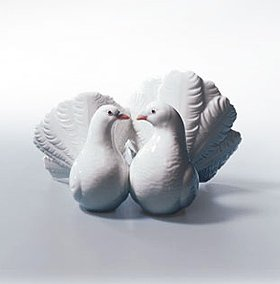 Lladró Kissing Doves Figurine