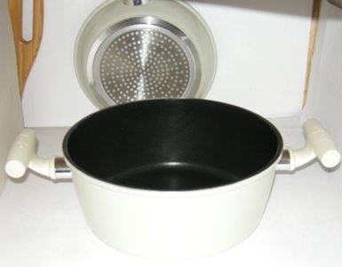 Saucepan 22cm dia 6.5cm Handle 9cm deep Carbon steel Nonstick Scratch Proof Guaranteed quality