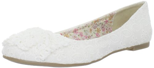 CL by Chinese Laundry Women's Glamor Ballet Flat,White,10 M US