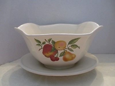 teleflora-fruits-gravy-boat-w-attached-underplate